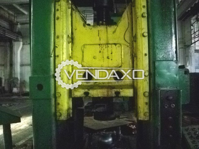 WMW Erfurt PKZ250 Forging Press Trimming Machine - 250 Ton