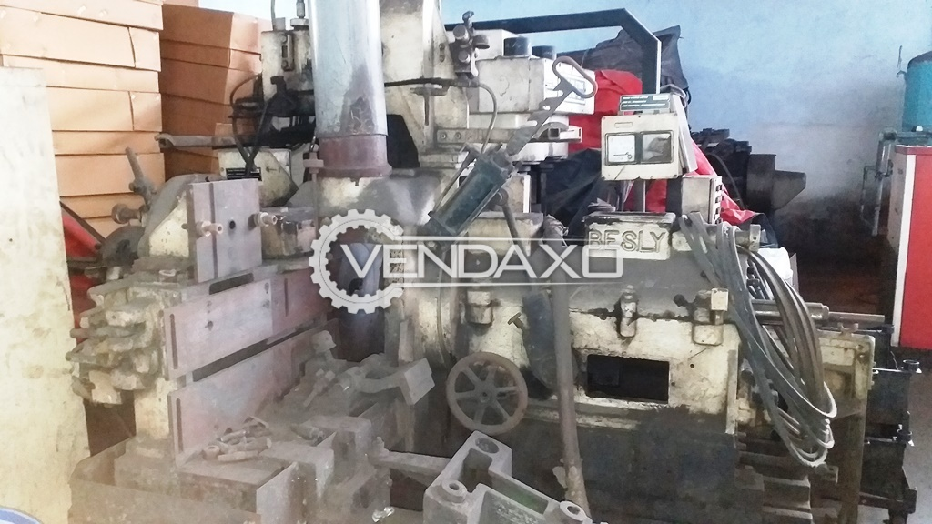 Besly Make Not Working Surface Horizontal Grinder Machine - 40 HP Motor With Spindle