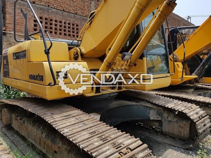 Komatsu PC210 Excavator - Motor - 165 HP