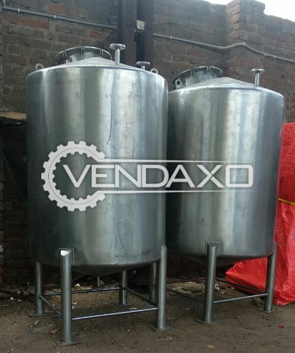 For Sale Used 2 Set OF Storage Tank - 1300 Liter