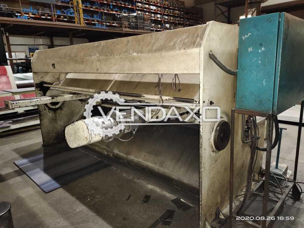 Hindustan Hydraulic Shearing Machine - 3000 x 6 mm