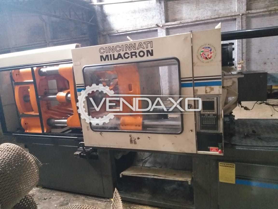 Cincinnati Milacron VT440-68 Injection Moulding Machine - 440 Ton
