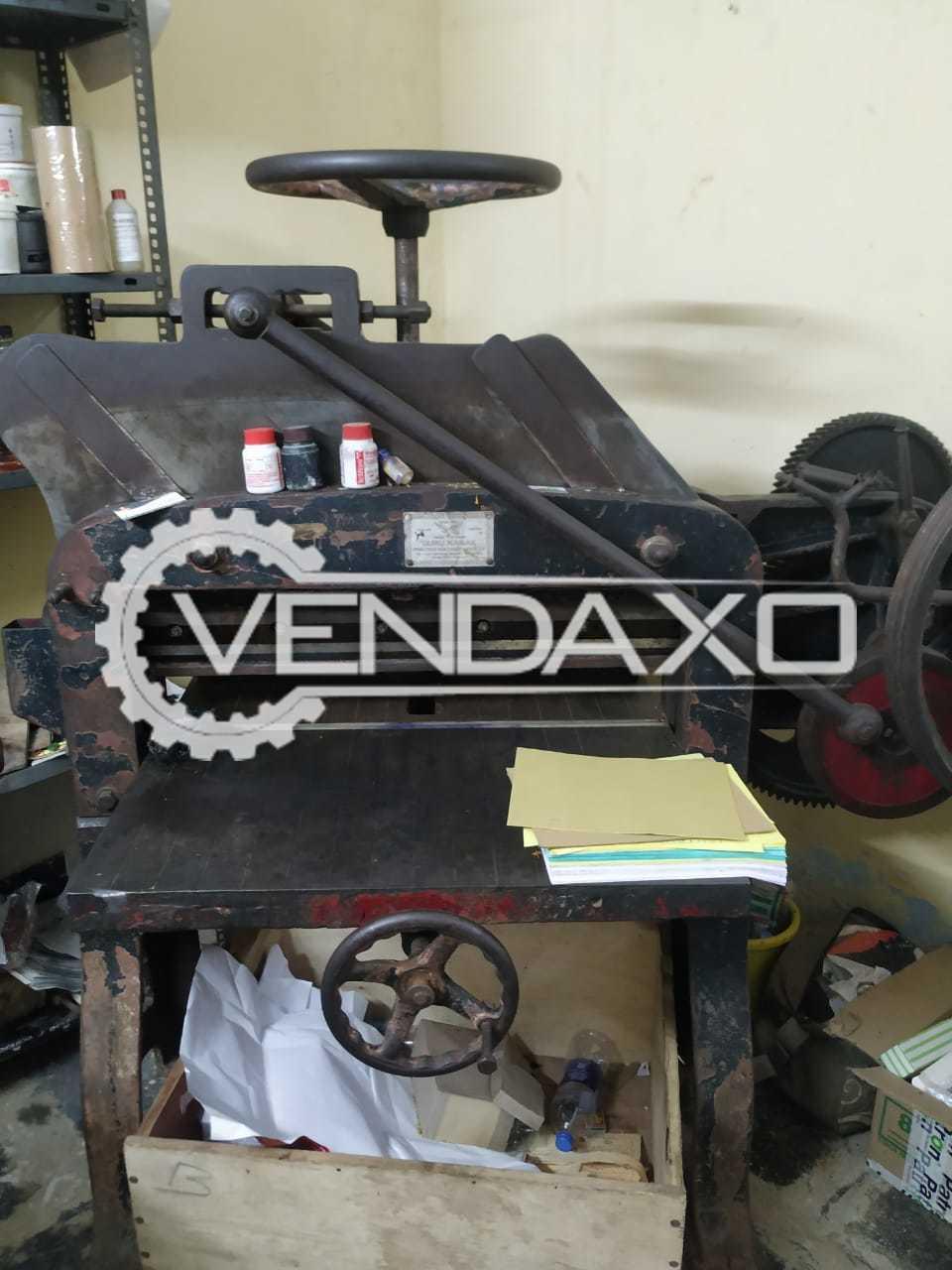 For Sale Used Gurunanak Paper Cutting Machine - 32 Inch