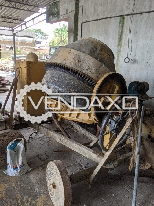 For Sale Used Concrete Mixer Diesel Engine - 2013 Model