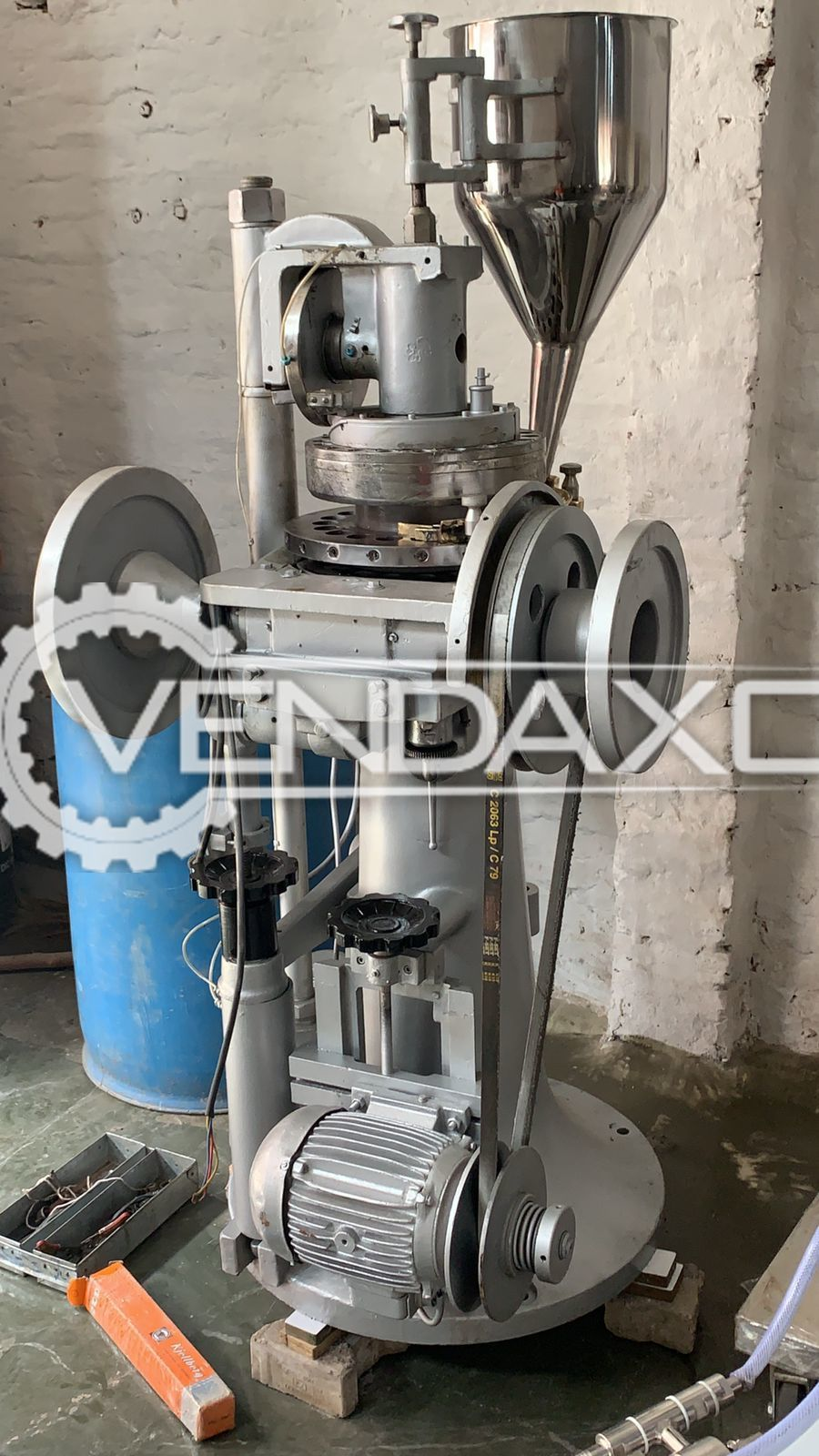 Cadmach Tablet Punching Machine - 16 Station, Non GMP Model