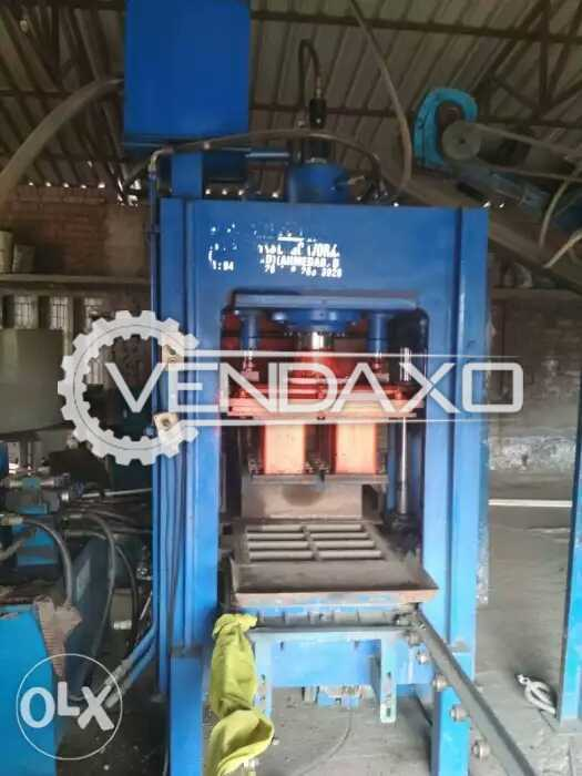 Automatic flyash bricks making machine with accessories