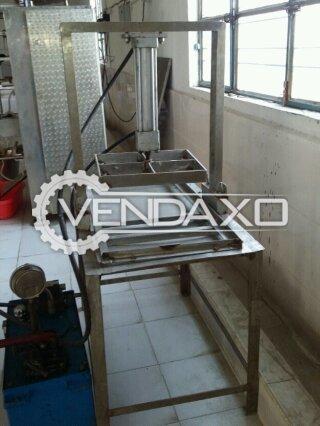 Hydraulic Paneer Press