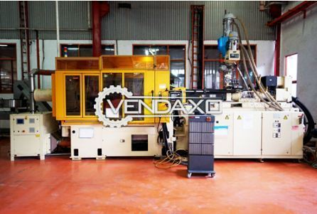Husky hycap rs5550 injection molding machine 1