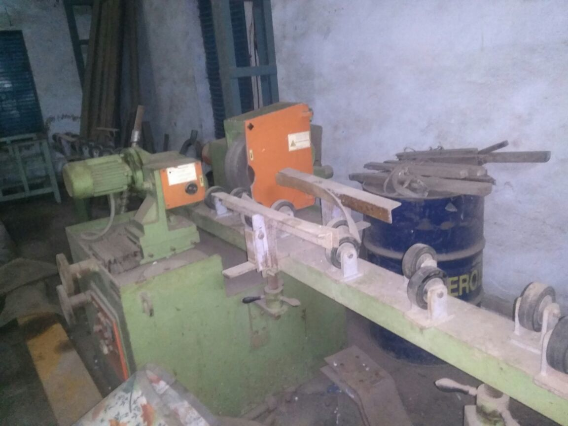 Roll buffing machine 2