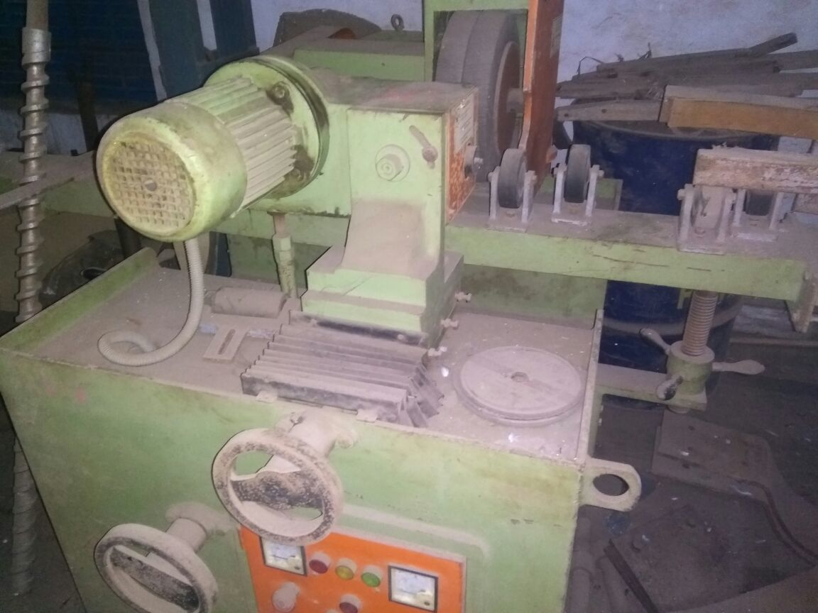 Roll buffing machine 3