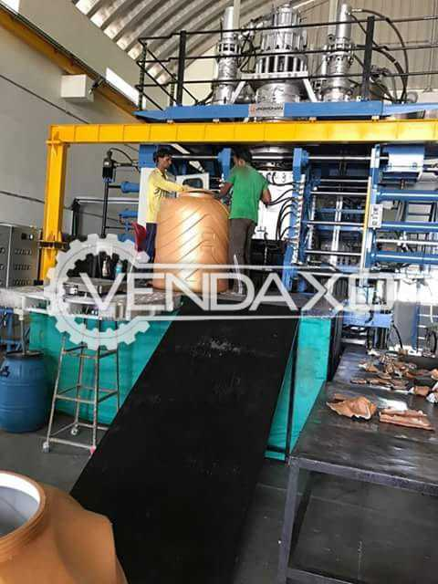 Blow Plastic Moulding Machine