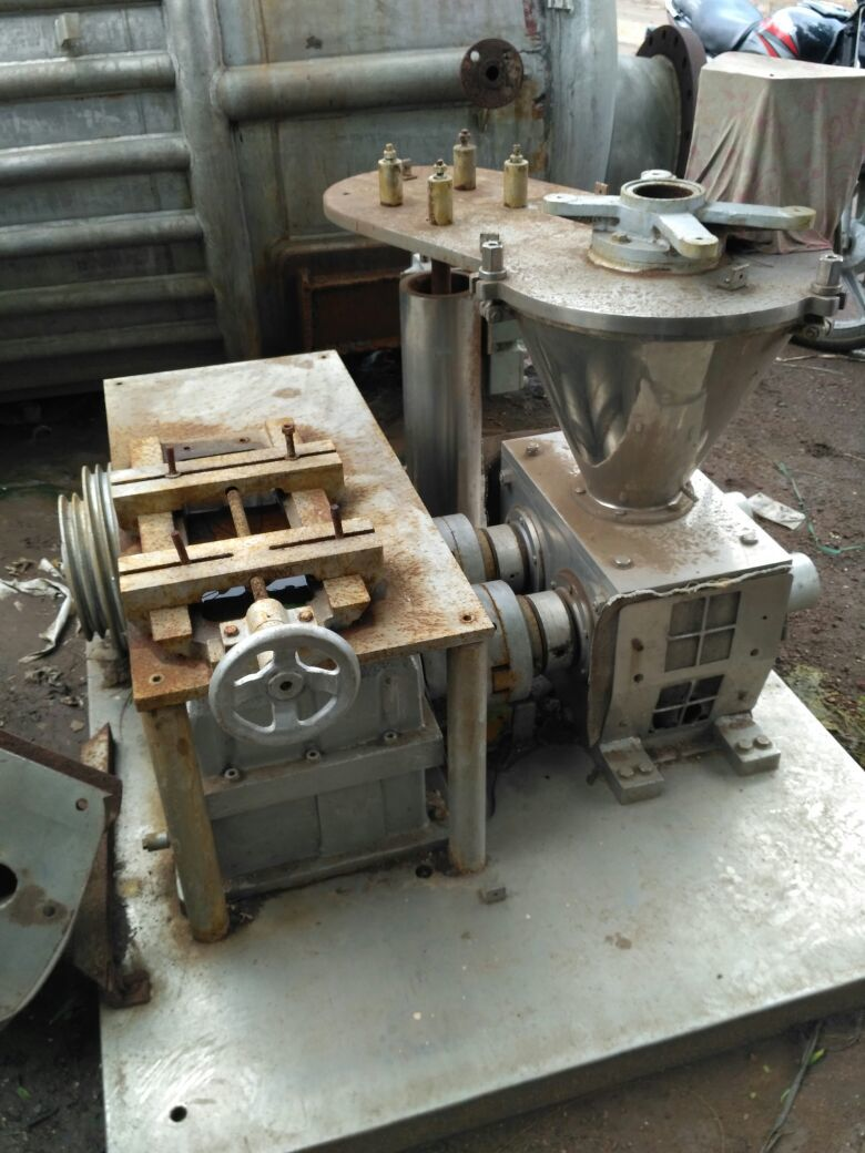 Roll compactor 2
