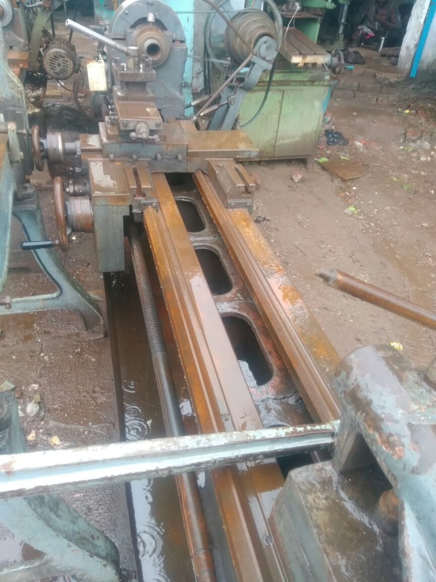 Lathe machine  7 ft 12 centre 2