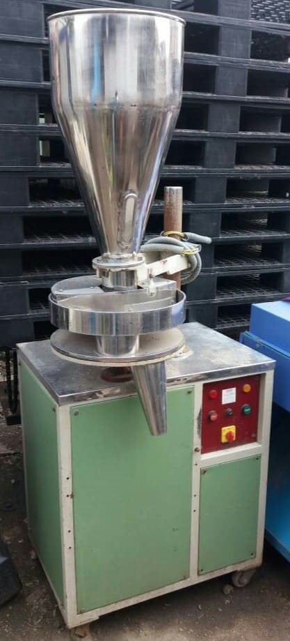 Auger Filler - Powder Filling Machine  100 To 200gm Capacity