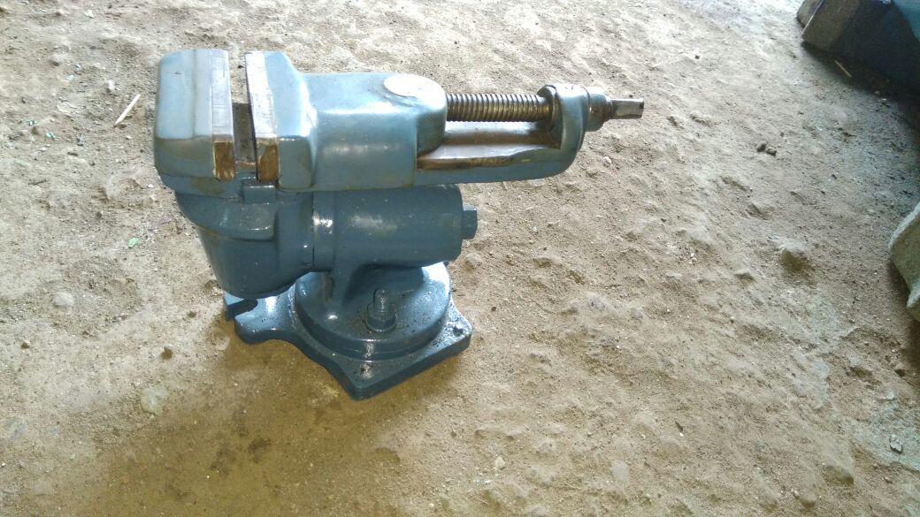 Tool   cutter machine 4