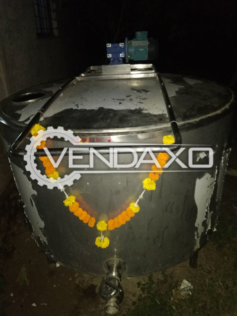 VENTURE PUNE Bulk Milk Chiller (BMC) Tank With LID , Without Agitator & Motor - 2000 Liter