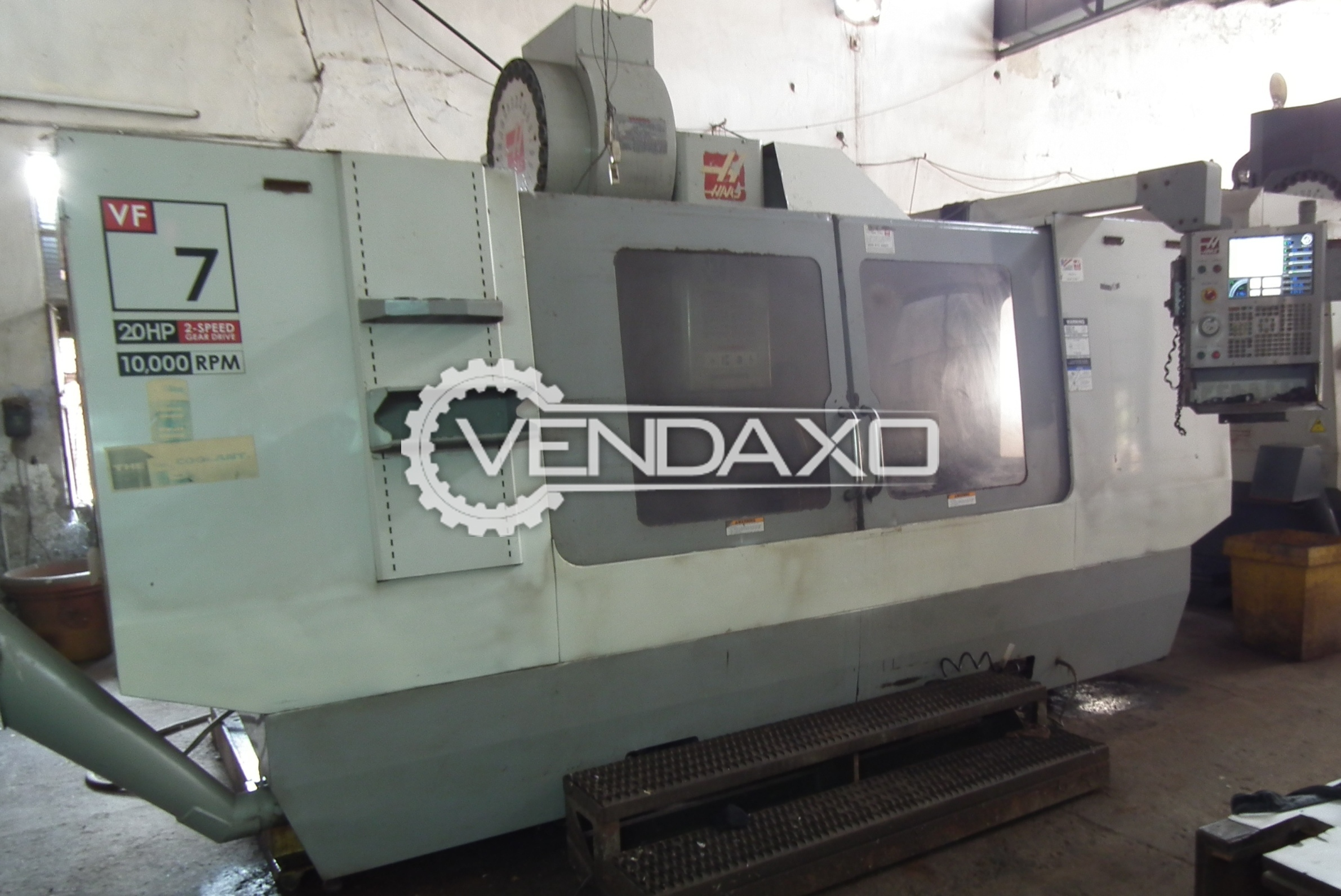 HAAS CNC Vertical Milling Center - 2134 x 711 mm With Tool Changer And Accessories