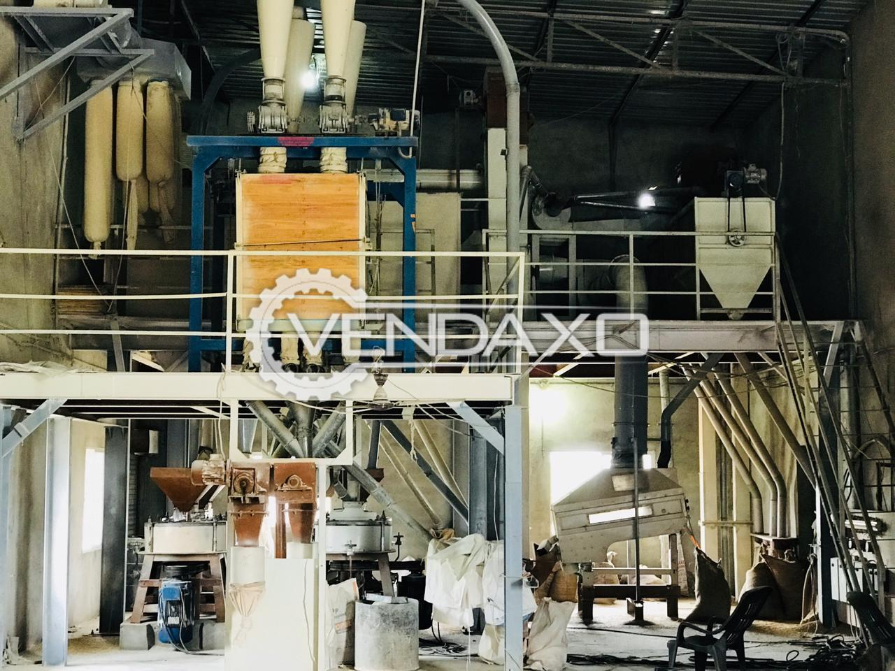 Floor Mill Machinery - 900 to 1000 Kg Per Hour
