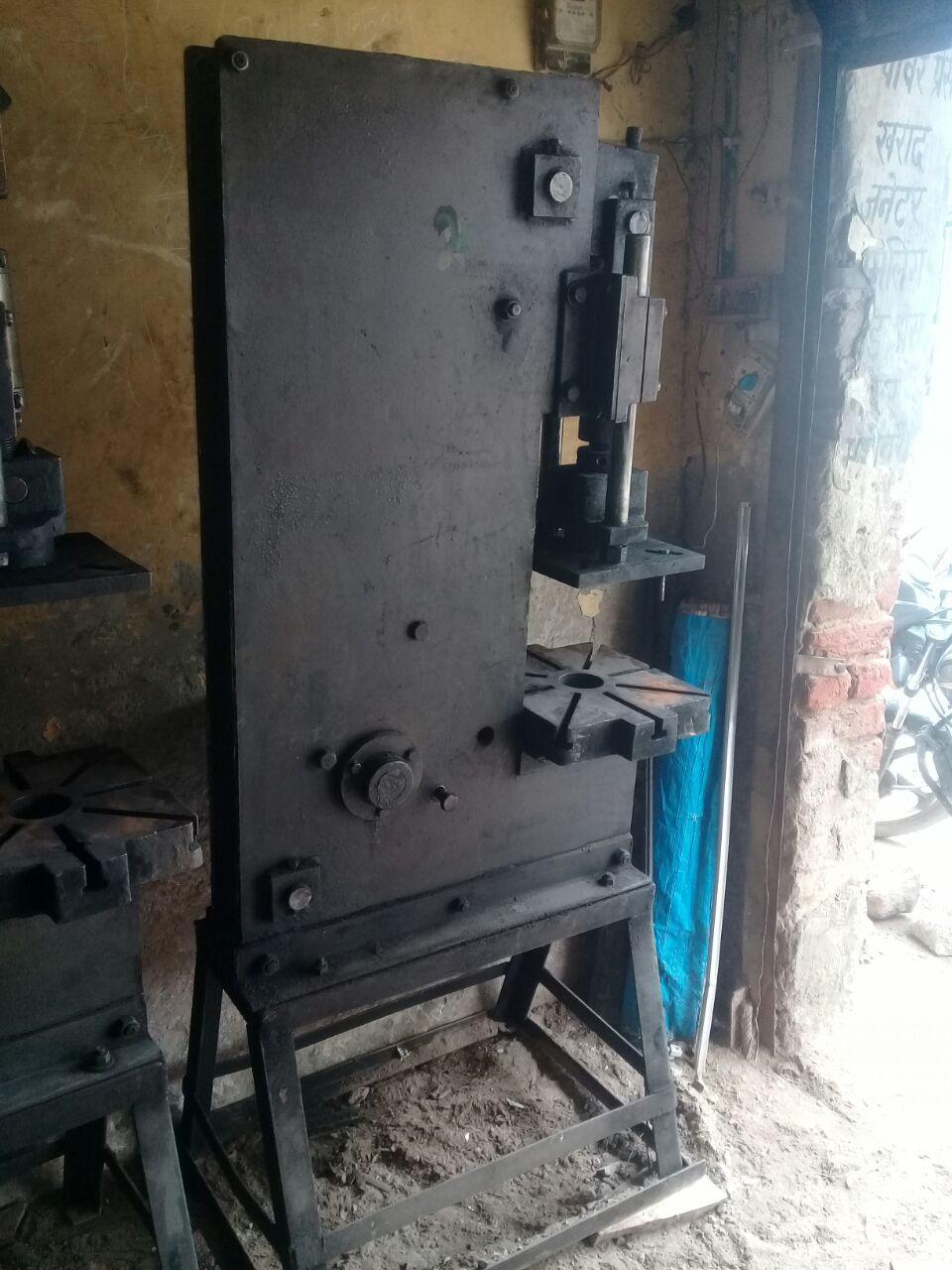 Hand molding machine 4