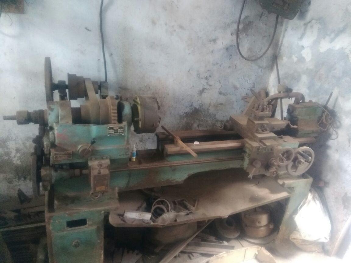 Lathe machine 4 feet standard center