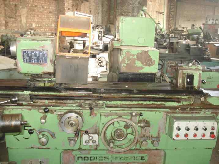 Universal grinding machine 3