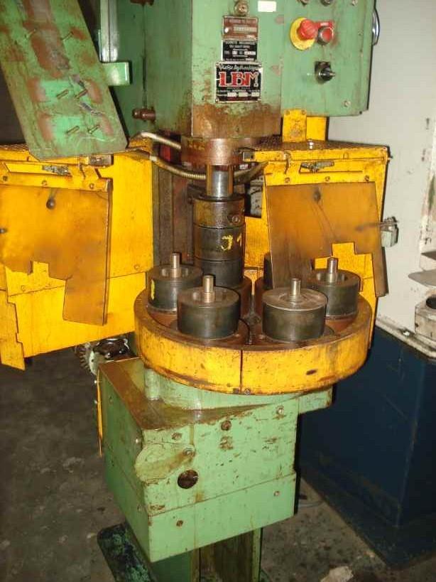 Hydraulic press 4