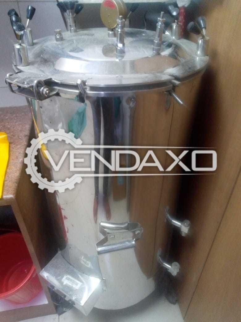 Manual Autoclave Machine - 40 Liter