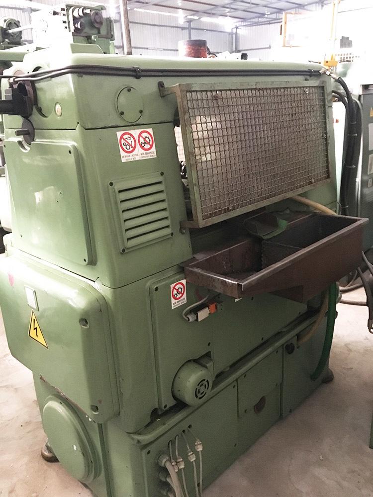 Gear hobbing machine 170 2