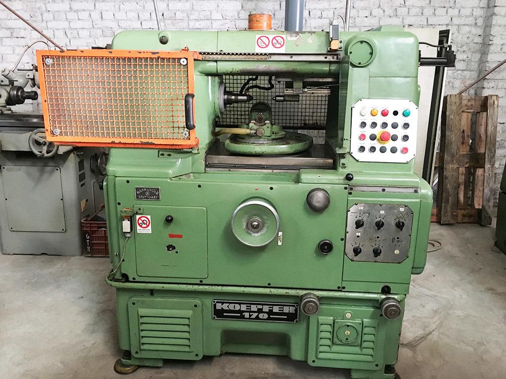 Gear hobbing machine 170 5