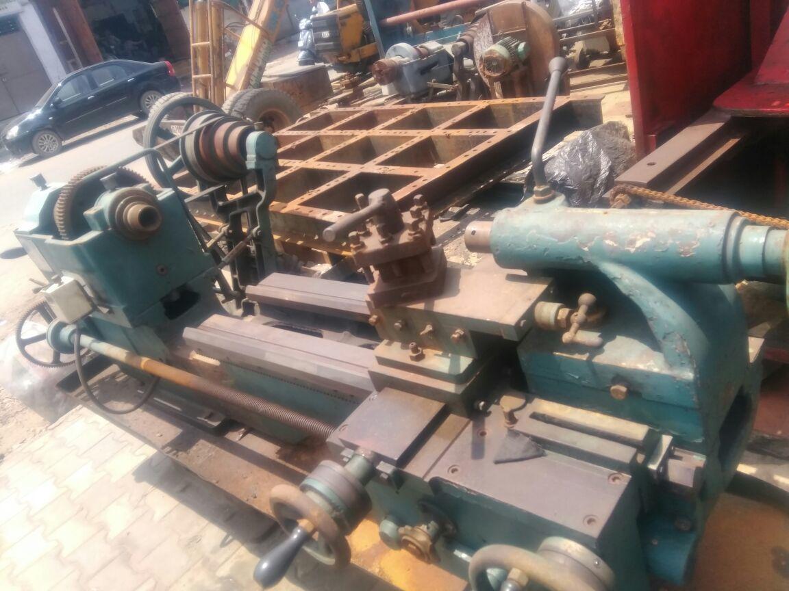 Lathe machine 7 feet 3