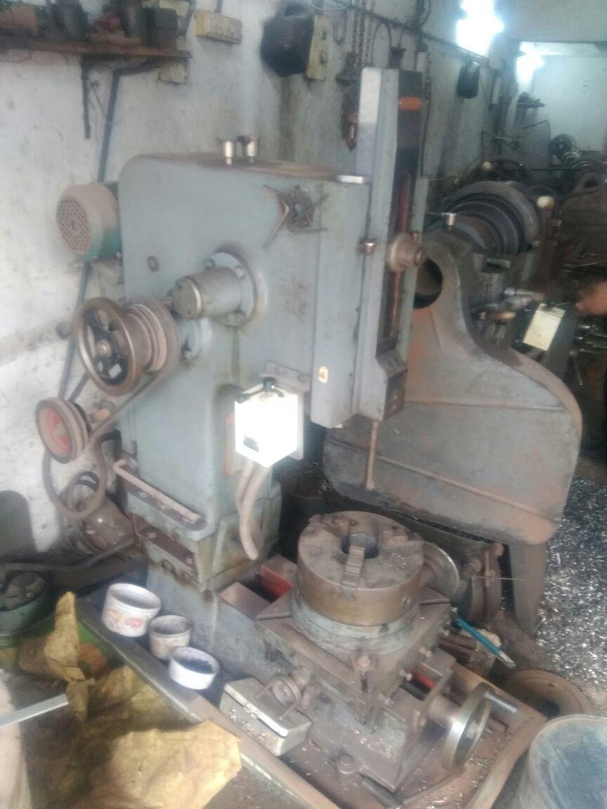 Slooting machine