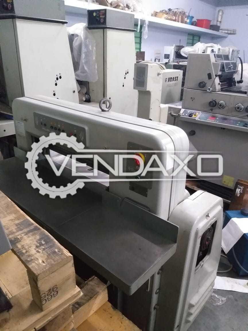 Polar 72CE Paper Cutting Machine - 29 Inch