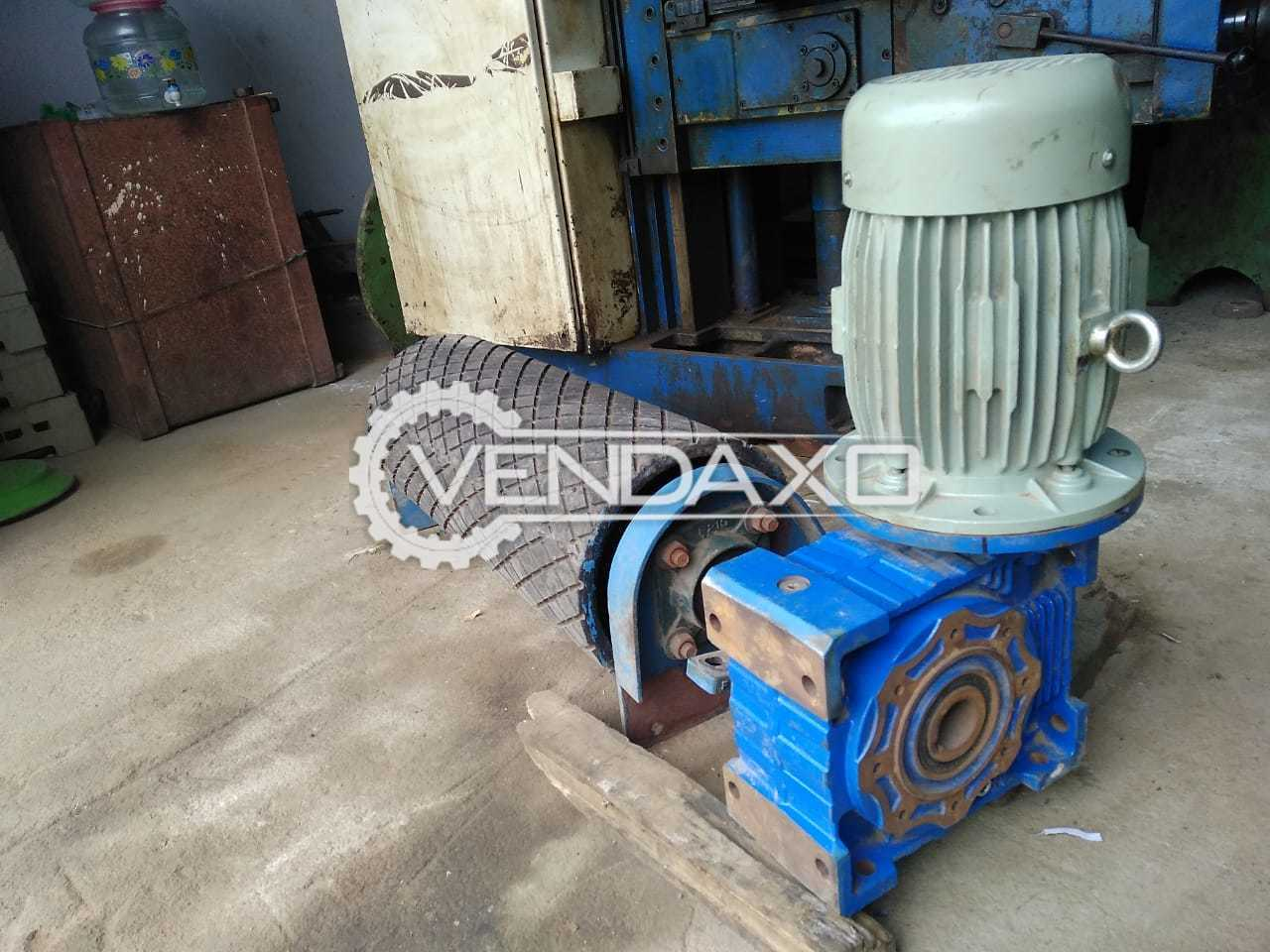 Conveyor Reduction Gear Box with Motor - Length 1000 MM