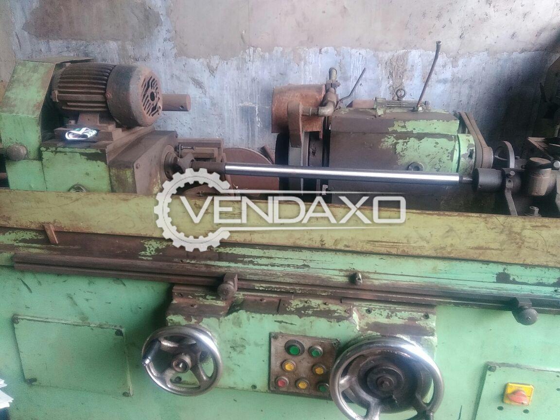 Cylindrical grinding machine 3