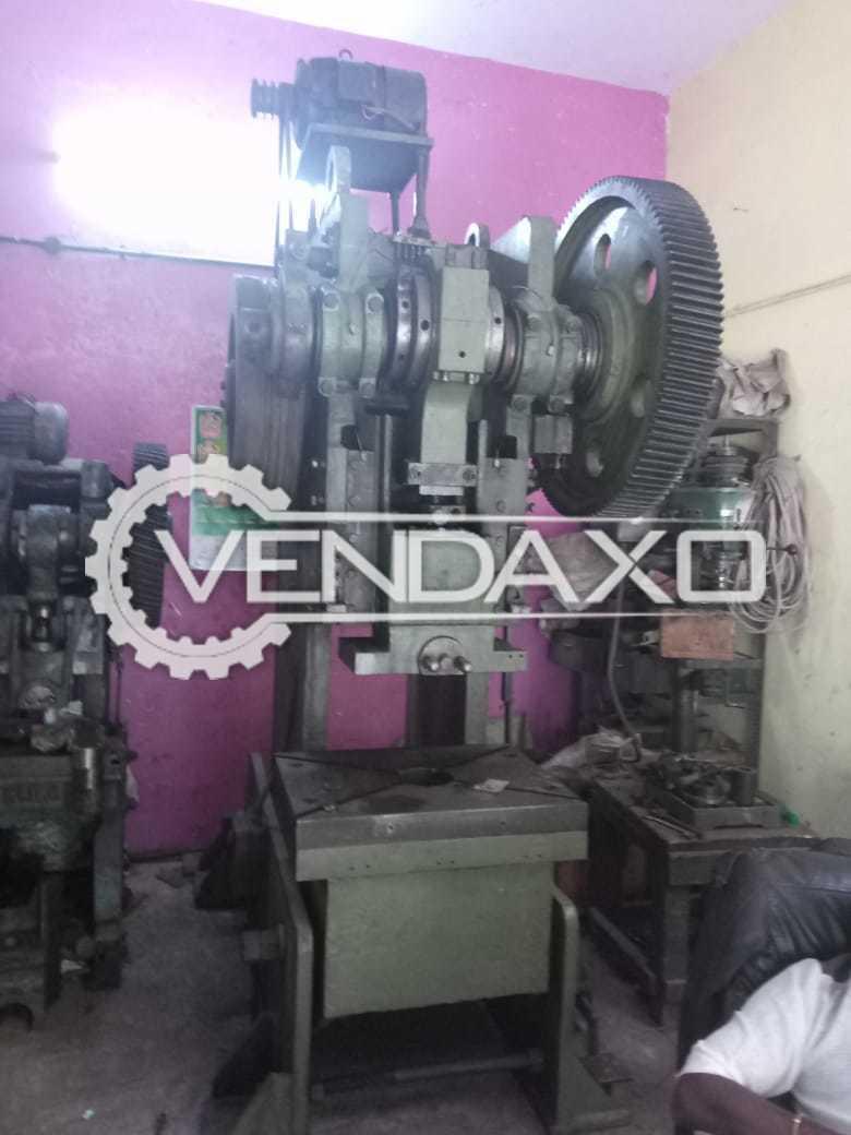 Lamba Make Press Machine - Cap. 80 Ton