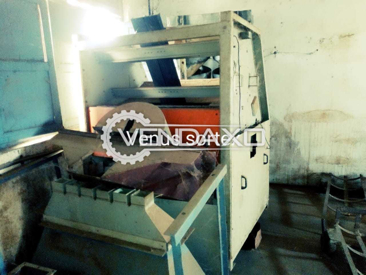 Available For Sale Color Sorter Machine - 500 Kg Per Hour