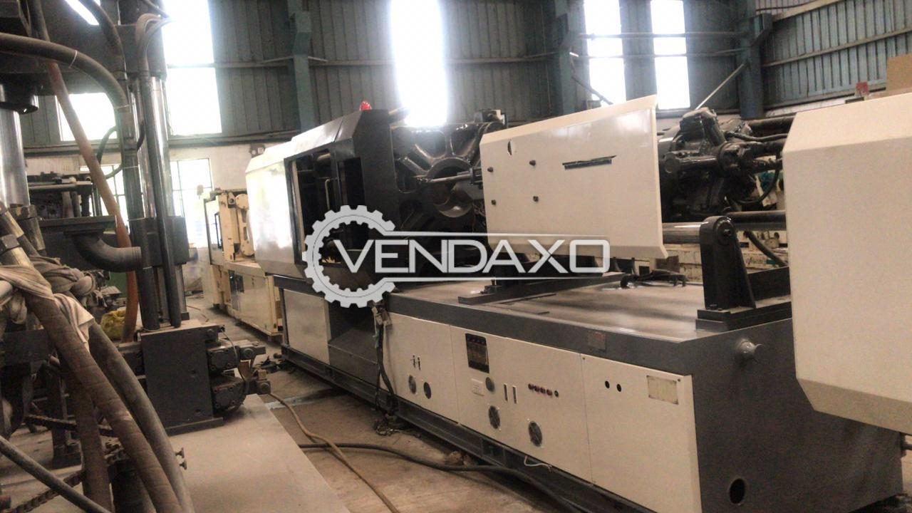 Jonwai Injection Moulding Machine - 275 Ton, 2004 Model