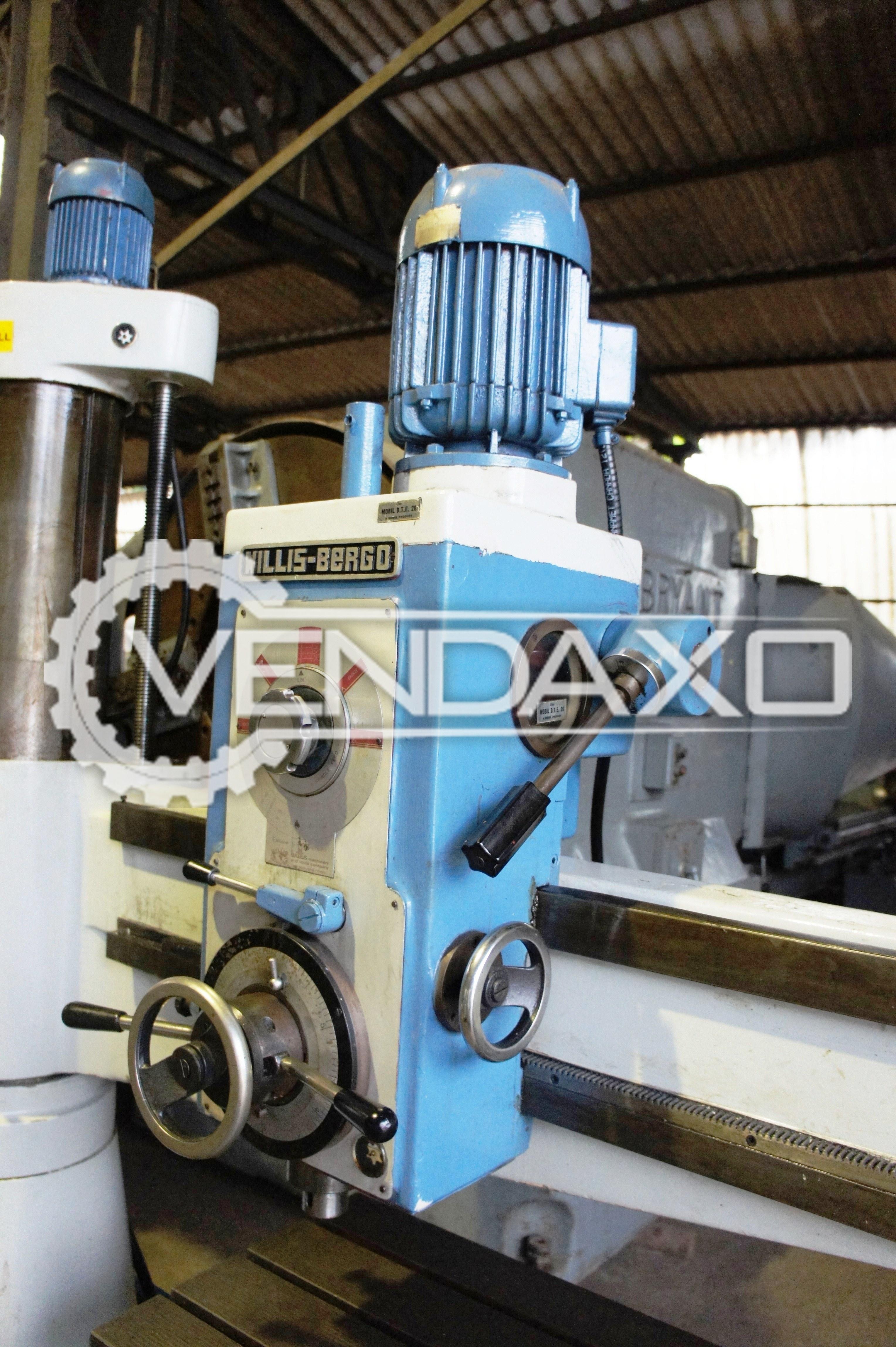 Willis bergo radial drill machine   50 mm 2