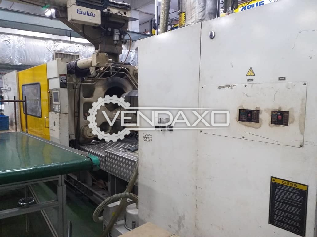 Toshiba Injection Moulding Machine - 450 Ton
