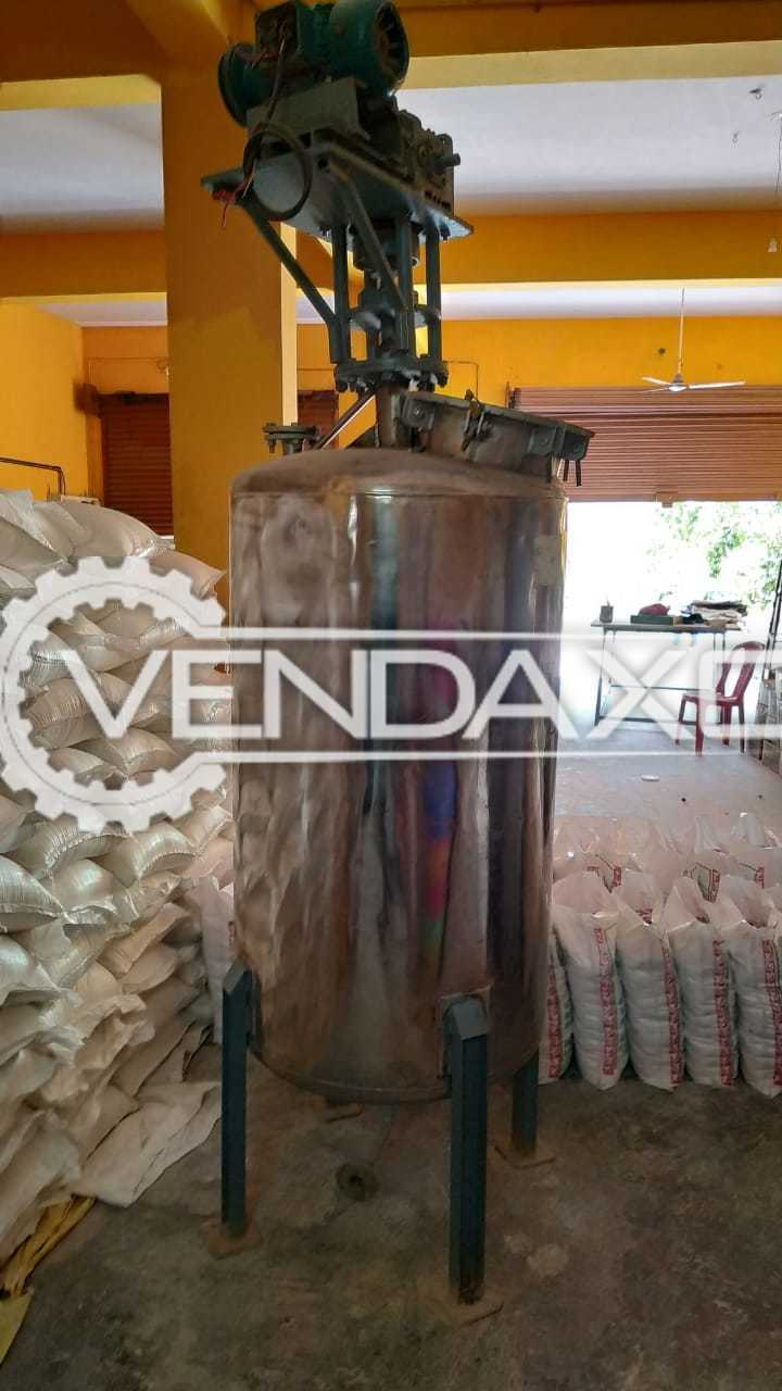 Available For Sale Liquid Mixer - 1000 Liter