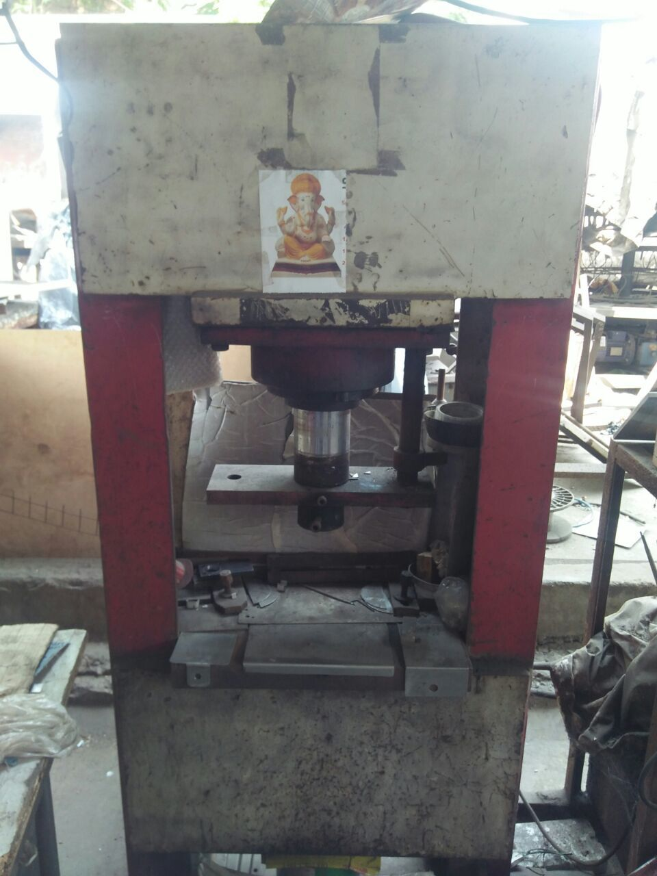 Hydrolic press machine 1