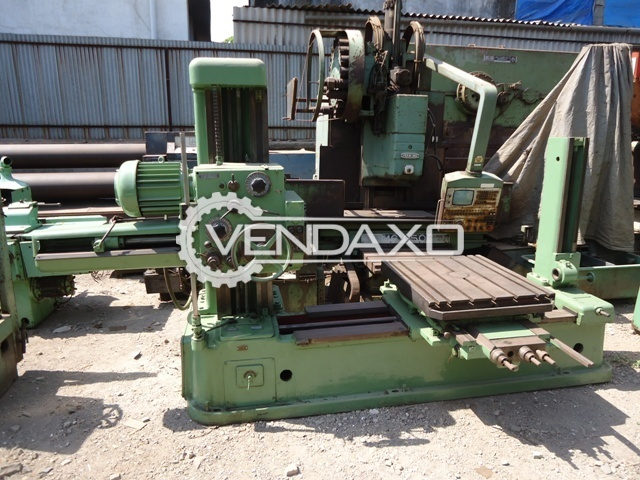 TOS H63A Horizontal Boring Machine - Table Size : 800mm x 880mm