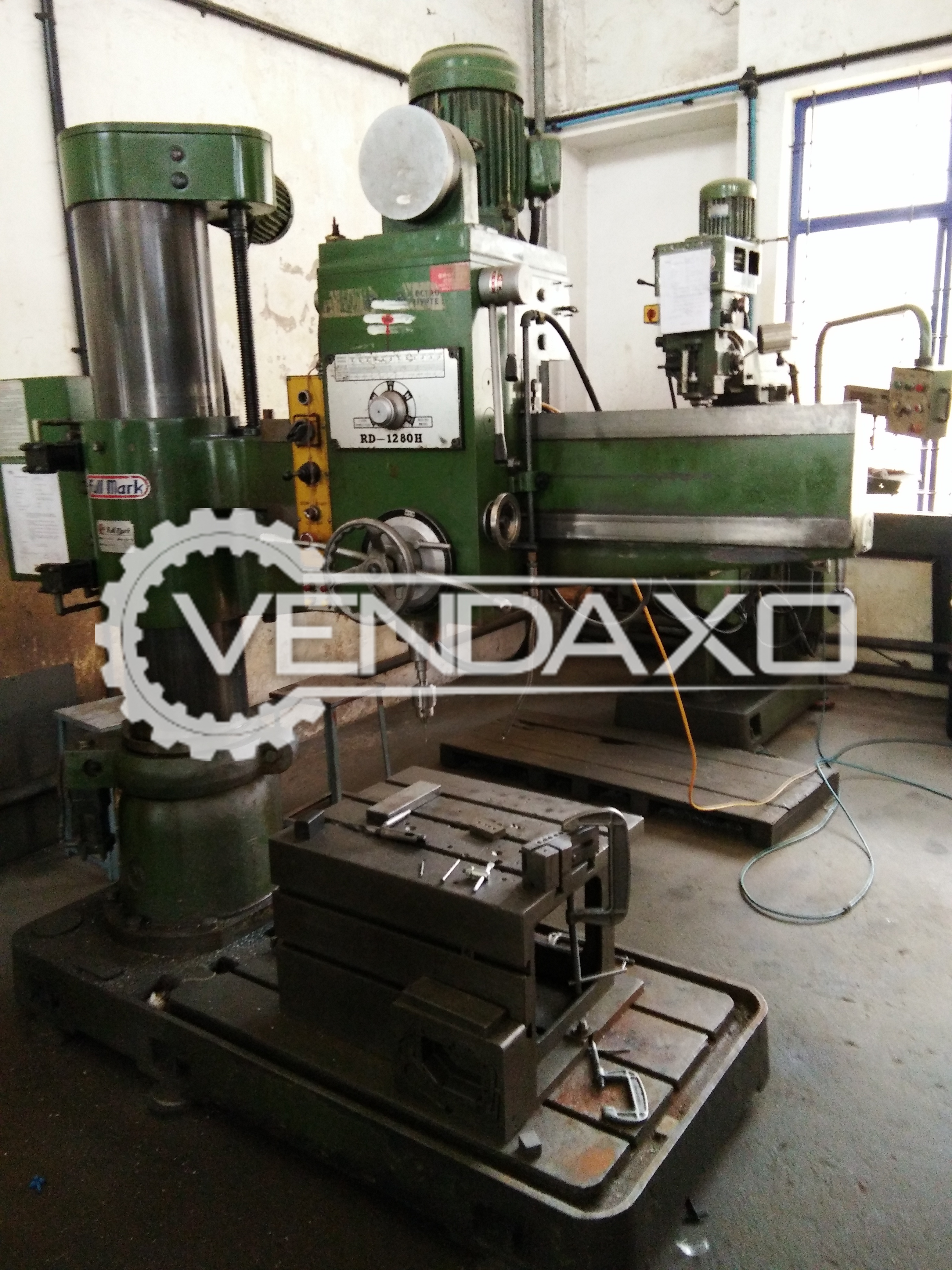 Fullmark Radial Drill Machine - 50 MM