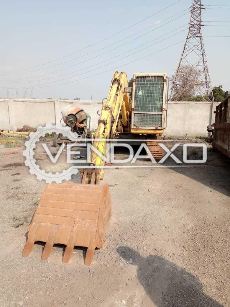 Komatsu PC71 Excavator - 60 HP, 1900 RPM