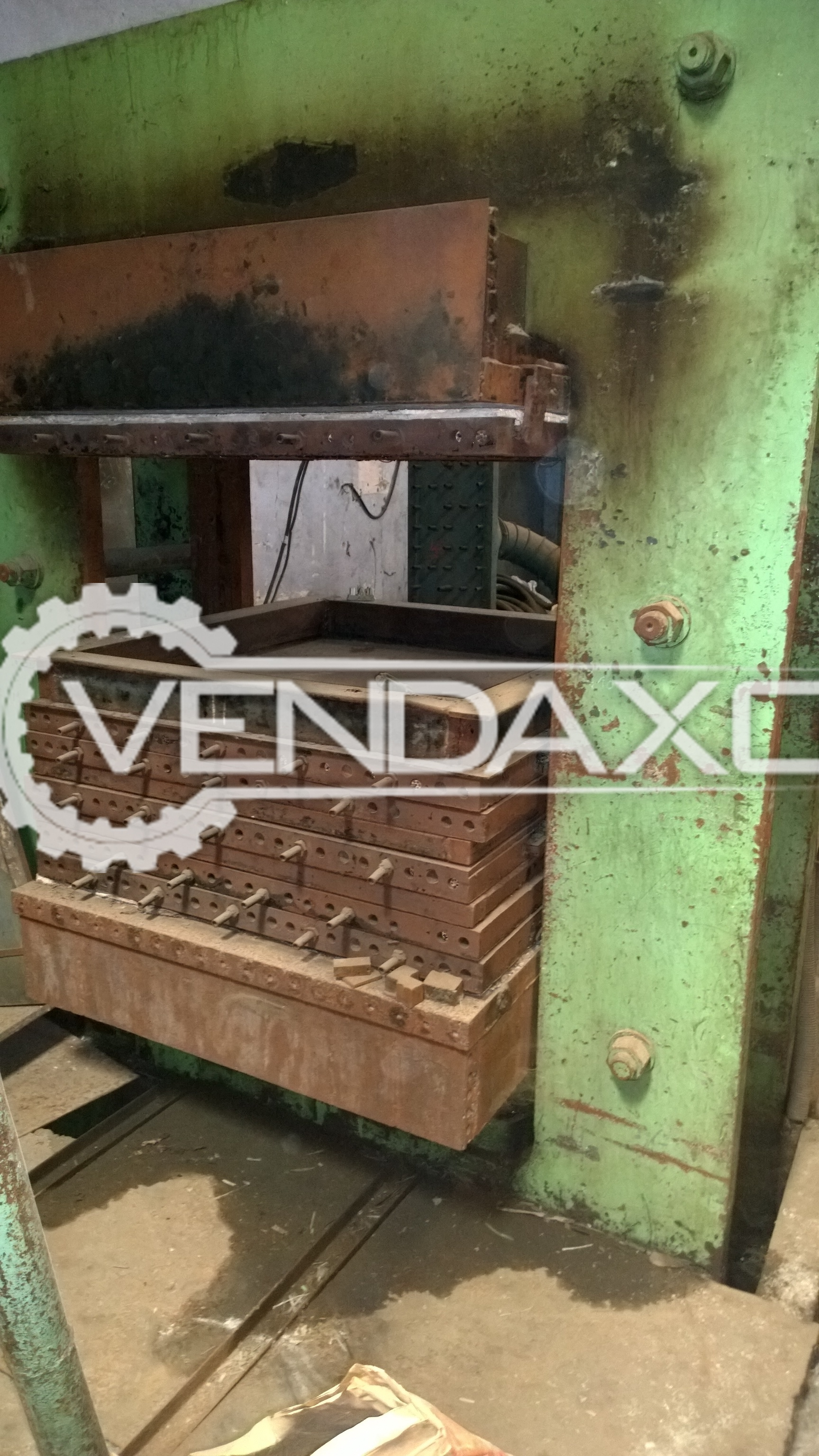 Hydraulic press - 500 Ton