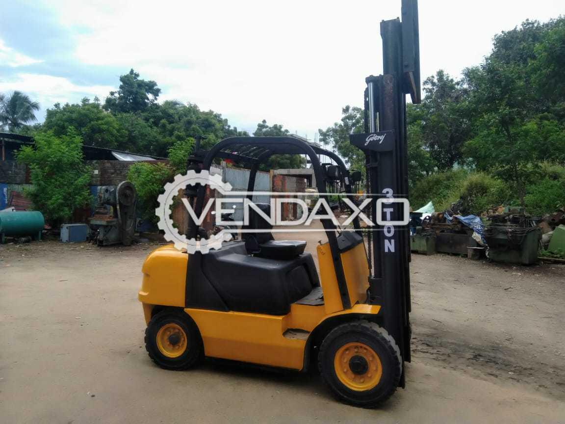 Godrej Diesel Forklift - 3 Ton, Model 2009