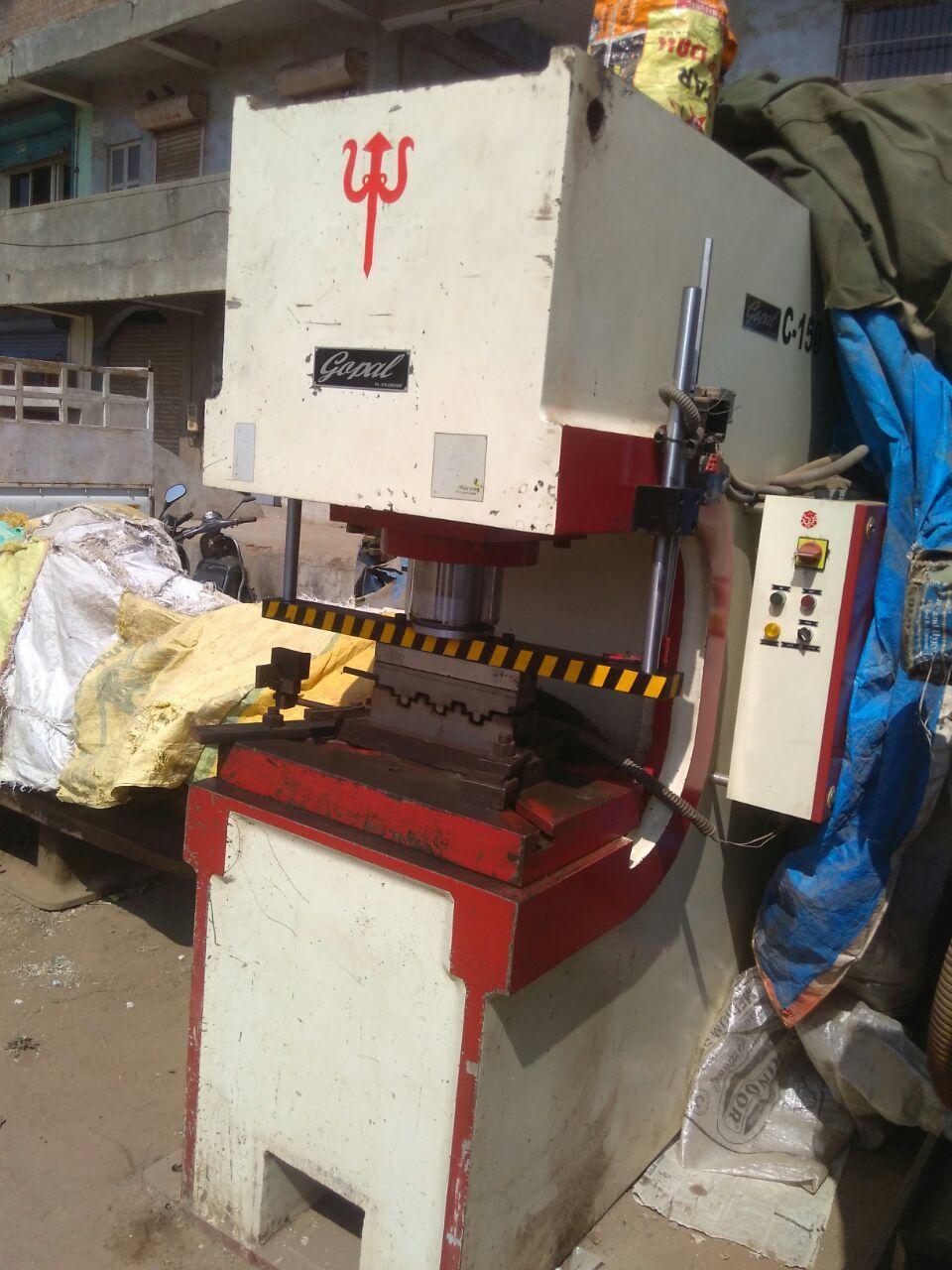 Hydraulic C frame Press- 150 ton
