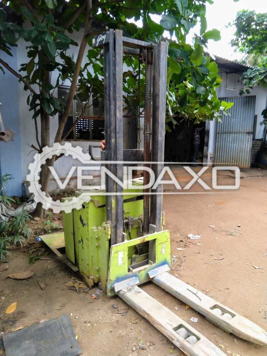 Godrej Electrical Stacker Machine - 1.5 Ton