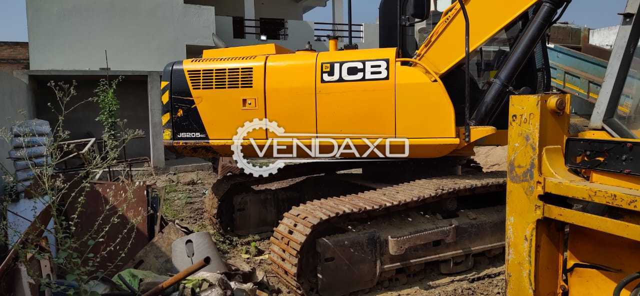 JCB JS205SC Excavator - 140 HP, 2017 Model