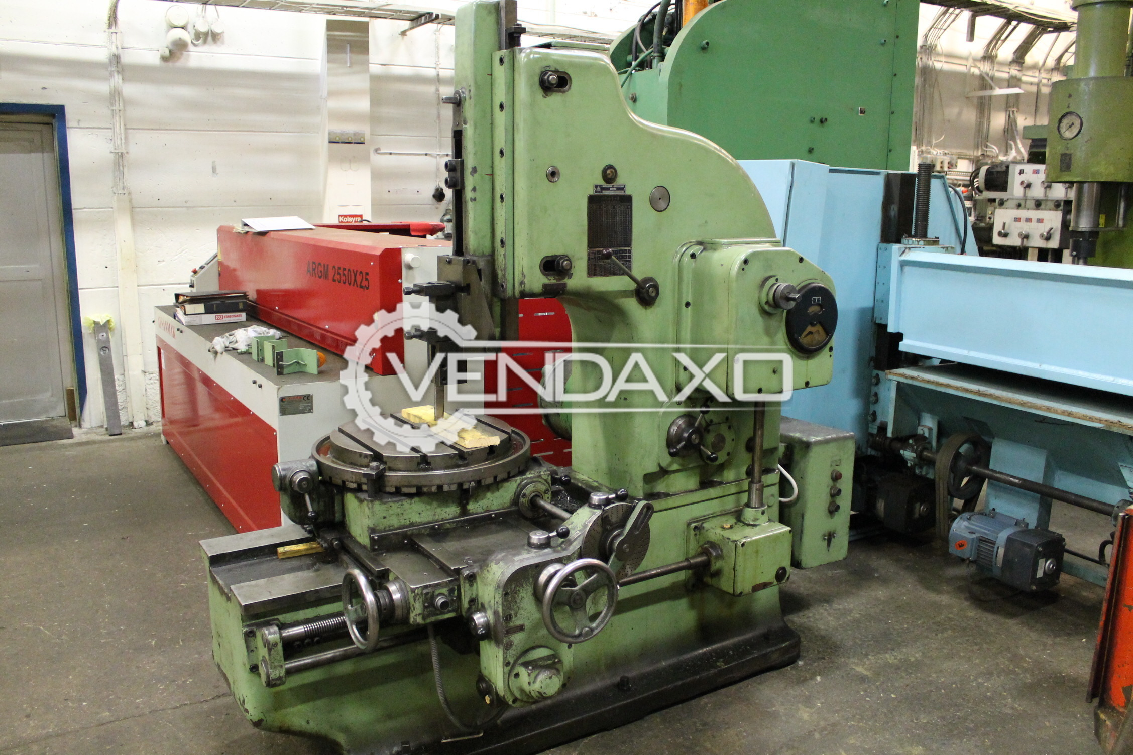 TOS TS-2 Slotting Machine - Stroke : 400 mm